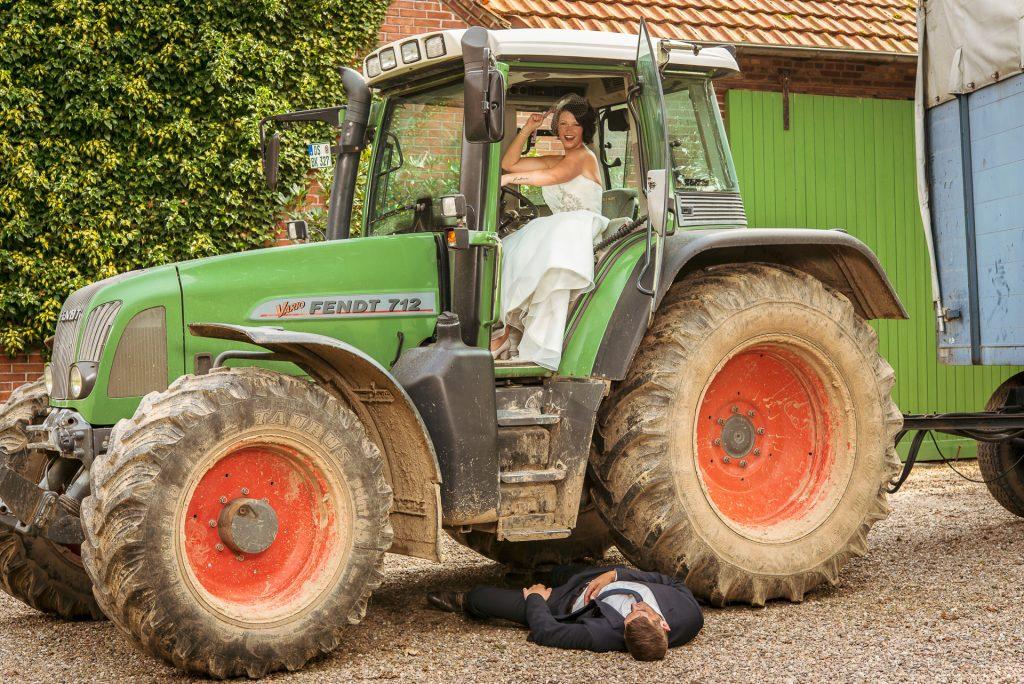 Hochzeit Trecker auf dem Bauernhof